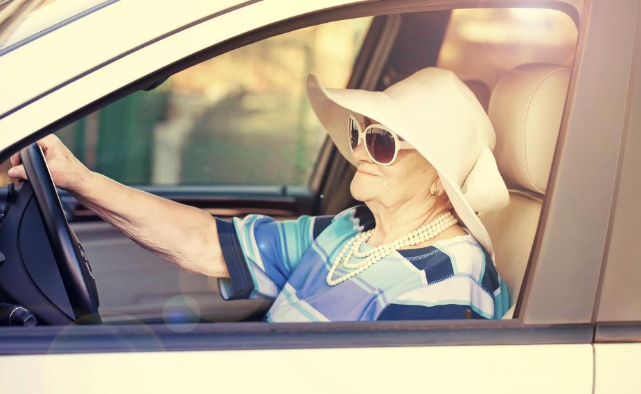 Берется ли налог с продажи за недвижимость с пенсионера