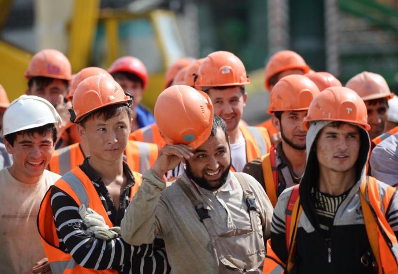 C:\Users\Вова\Desktop\БУХГУРУ\декабрь 2017\ВЕБ Квоты на иностранных рабочих на 2018 год\inostrannye-rabotniki.png