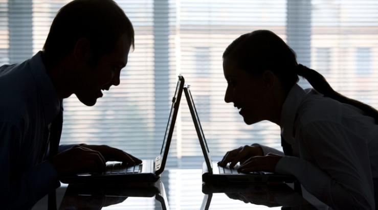 C:\Users\ВОВА\Desktop\БУХГУРУ\декабрь 2018\ВЕБ Требования работдателей к поведению сотрудников в соцсетях\na-rabote-v-socsetyah.jpg